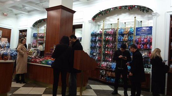 Ghirardelli Ice Cream & Chocolate Shop: Inside View III