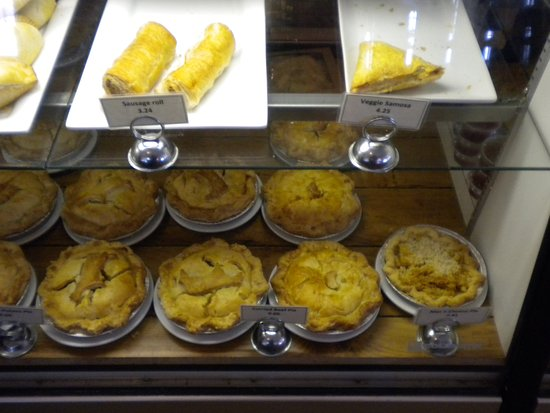North Saanich, Canada: meat pies