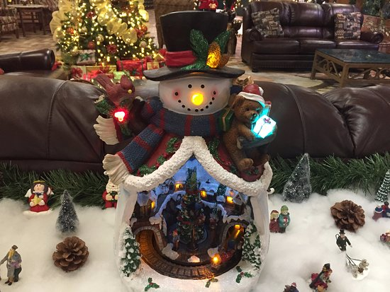 Tahoe Seasons Resort: Christmas deco