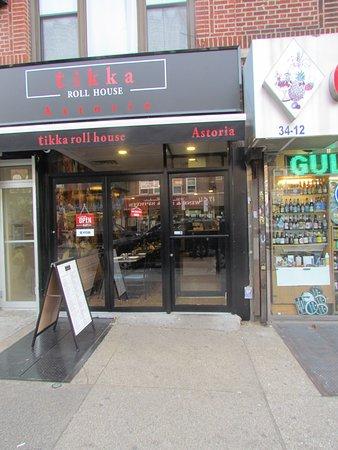 Astoria, NY: Store front