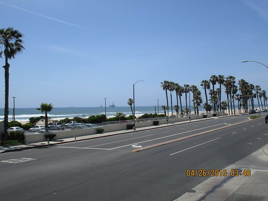 View from the hotel looking north on PCH - Picture of Huntington