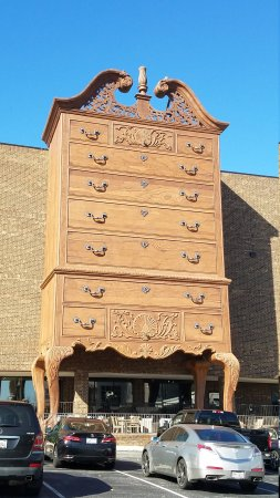 World S Largest Chest Of Drawers 1300 Foot High Front Entrance At Furnitureland South