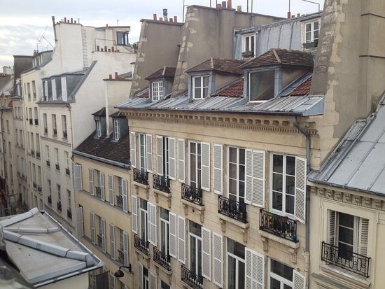 Hotel Saint Paul Rive Gauche: The view from my 5th-floor window.
