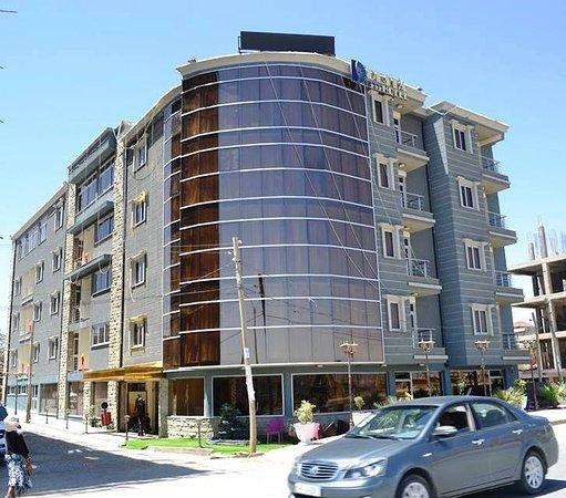 Mek'ele, Etiopía: The general exterior of Desta International Hotel