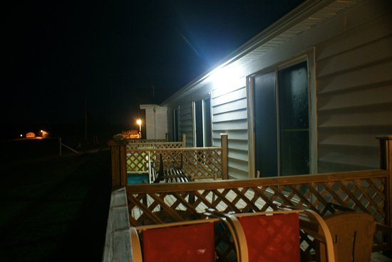 Topmast Motel: The deck (at night)