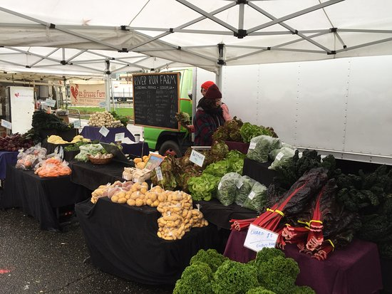University District Farmers Market