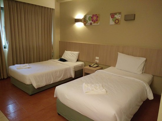 Bunjongburi Hotel: The beds and sheets were comfortable