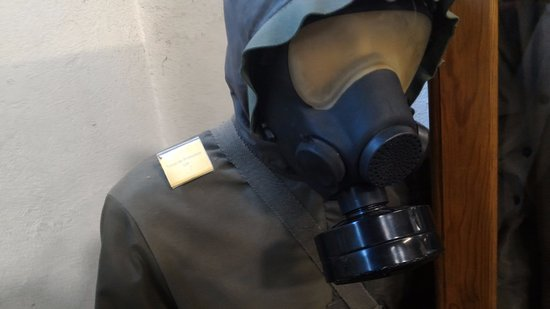 Musee des Blindes: tenue protection armes chimiques