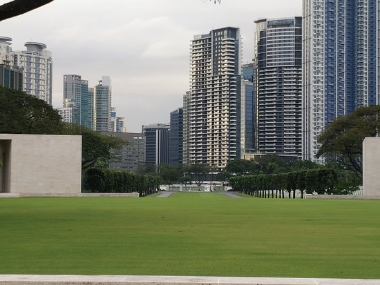 Manila American Cemetery and Memorial: This is the view from inside the Memorial overlooking BGC