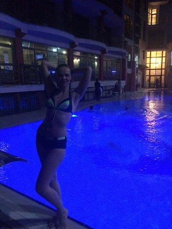 Hurzuf: Вечерний бассейн, температура воды +25.