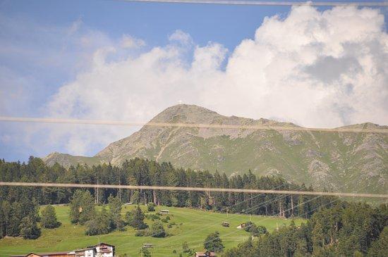 Prutz, Österreich: mooie zichten !!!!