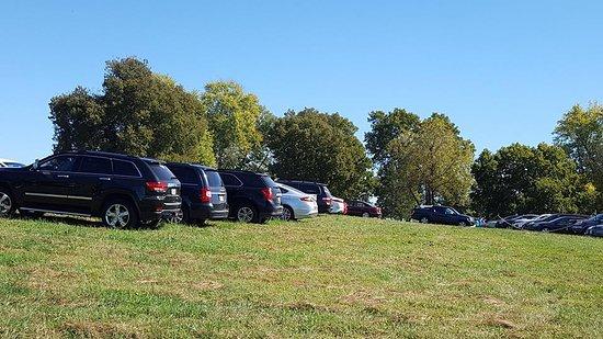 Dardenne Prairie, MO: Parking lot.