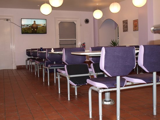 Brechin, UK: Spacious Diner Style Seating Area