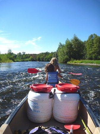 Vezac, France: location de canoe a la journee de 5 a 22km ou en randonee de de 2 a 7jours