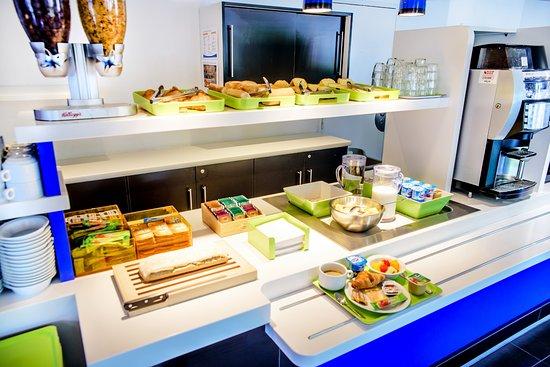 Ibis Budget Petite Foret: Petit-déjeuner buffet de 5h à 10h30