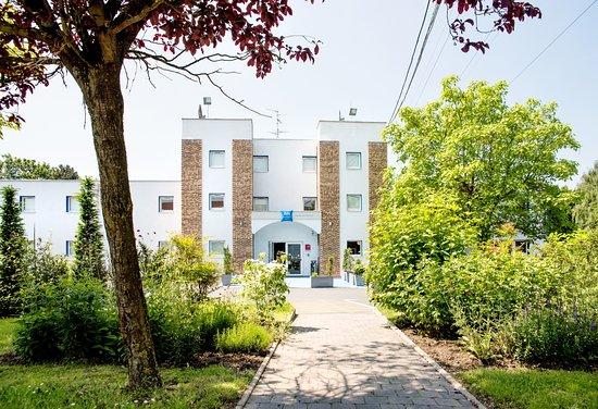 ibis budget petite foret hotel petite foret voir les tarifs et 172 avis. Black Bedroom Furniture Sets. Home Design Ideas