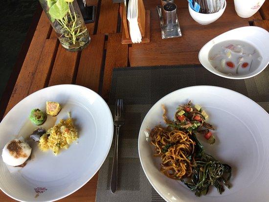 Nora Buri Resort & Spa: breakfast
