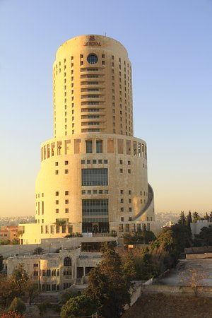 Grand Hyatt Amman: I had the view of another hotel across the street.