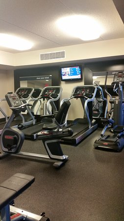 Hampton Inn & Suites Albany - Downtown: Gym