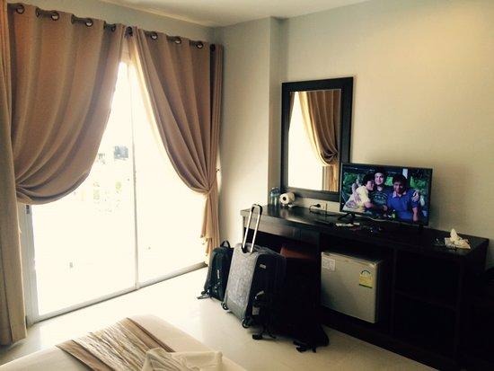 Garden Phuket Hotel: Номер с балконом