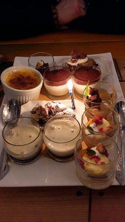 Capannori, Italy: Degustazione dessert x 2 con candelina compleanno