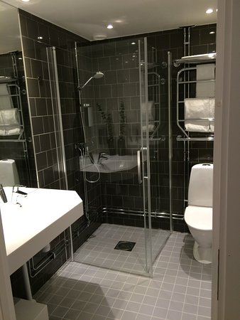 Kista, Sweden: Single studio bathroom