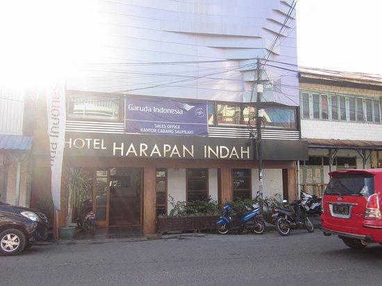 Saumlaki, إندونيسيا: Vooraanzicht hotel