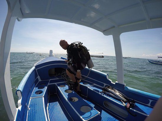 Philippine Fun Divers, Inc.: My instructor Frank