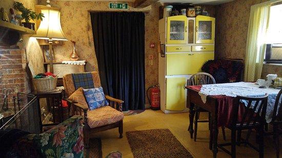 Bursledon, UK: living room