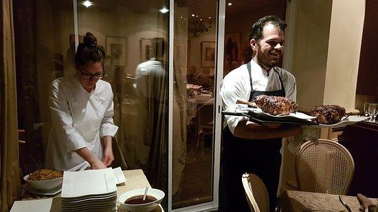 Saint Savin, Франция: Moment de partage des valeurs culinaires et d'amitié