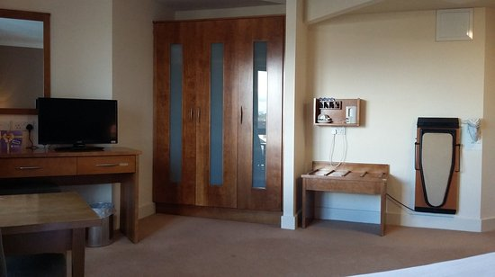 Claregalway, Irlanda: Accessible Bedroom