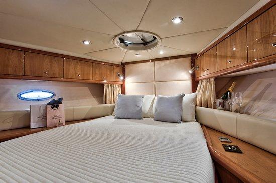 Birgu (Vittoriosa), Malta: Cosy on-board cabin