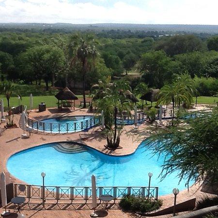 إليفانت هيلز ريزورت: Two lovely pools.
