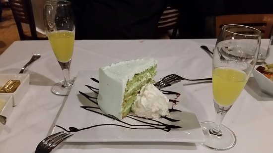 New Milford, CT: Pistachio Cream Layer Cake & Lemonciello!! Just lovely!!