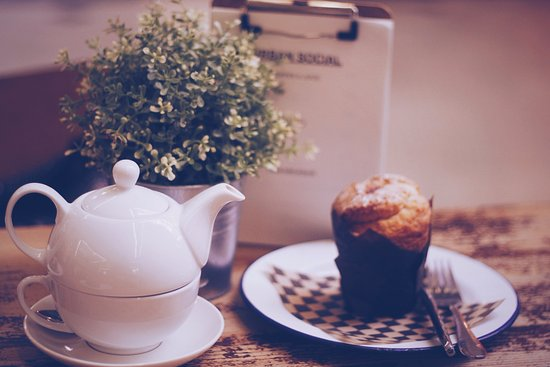 Greater London, UK: tea with muffin
