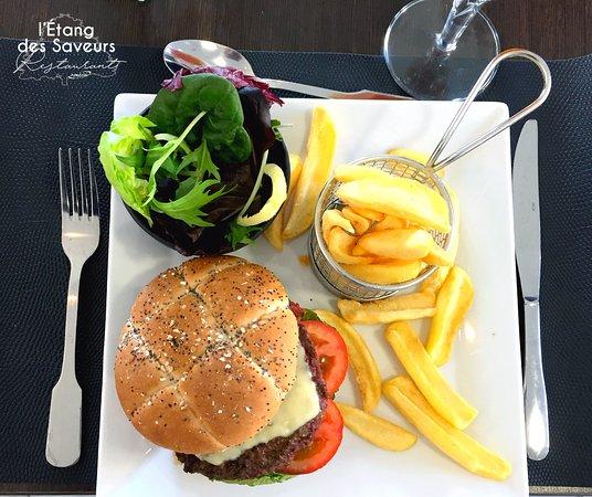 Fos-Sur-Mer, France: Burger Savoyard