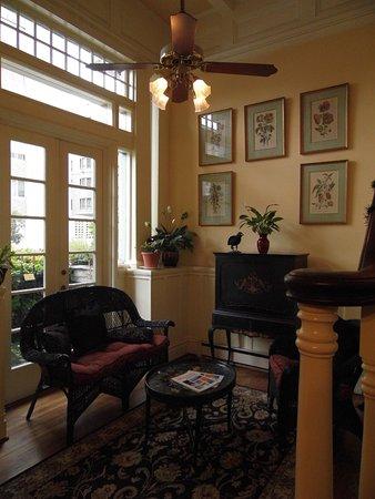 The Nob Hill Inn: Le Hall d'entrée