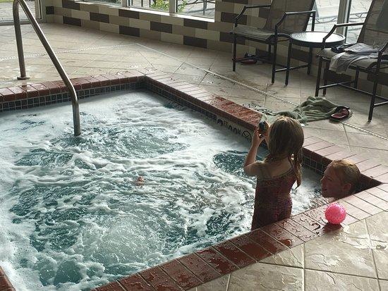 Hilton Garden Inn Jonesboro: Hot Tub for relaxing