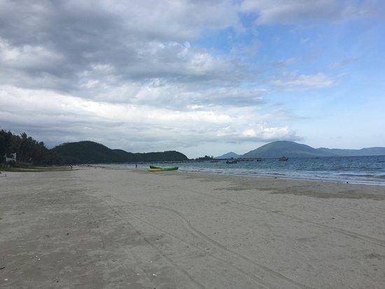 Paradise Resort Doc Let: Утро на пляже Парадайза