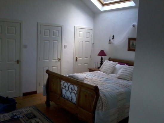Ballycastle, UK: One of the comfy bedrooms