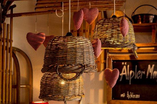 Rigi Kaltbad, สวิตเซอร์แลนด์: Kreative Einrichtung im Chalet Schild