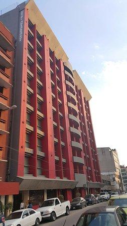 Hotel Ambassador: FACHADA HOTEL