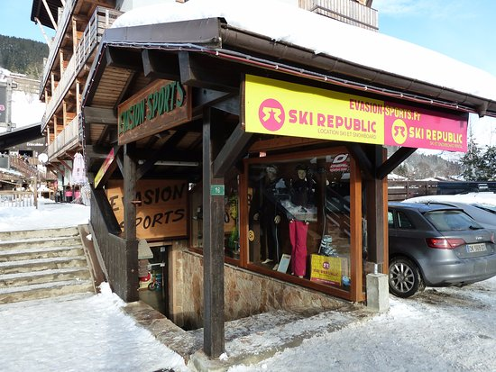 Les Gets, France : Magasin EVASION SPORTS