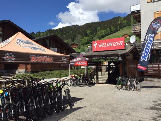 Les Gets, France : EVASION SPORTS Location/ Vente VTT