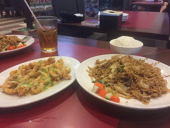 makan untuk rame2 dengan teman saat diskon Ulasan D Cost