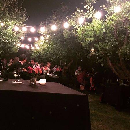 Maipu, Argentina: La decoración del patio de noche
