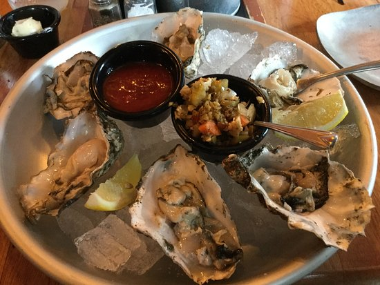 Camas, WA: Not so great oysters.