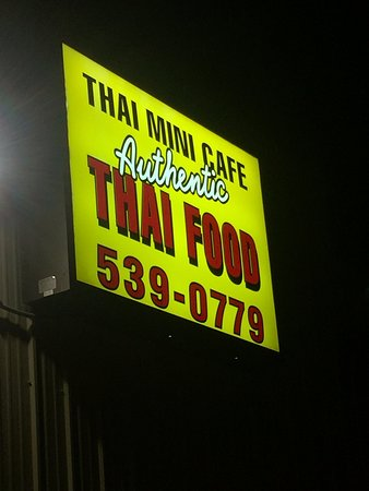 Poncha Springs, โคโลราโด: The owners are Thai, so depsite being in the middle of Colorado, it is authentic Thai food!