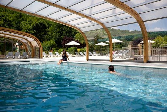 Camping le Paradis: La piscine couverte
