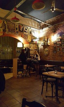 Pub Jan.
